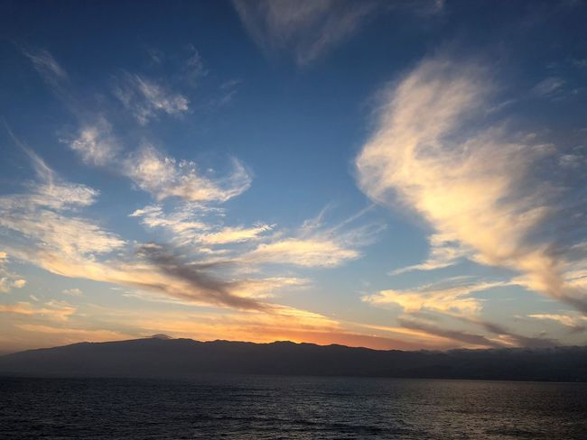 Sonnenuntergang Abendsonne Wolkenkunst Wolkenbilder Himmel Und Meer Sky Cloud - Sky Beauty In Nature Water Sunset Scenics - Nature Tranquility Tranquil Scene Mountain Nature No People Idyllic Sea Environment Waterfront Outdoors Silhouette Non-urban Scene Remote Bright