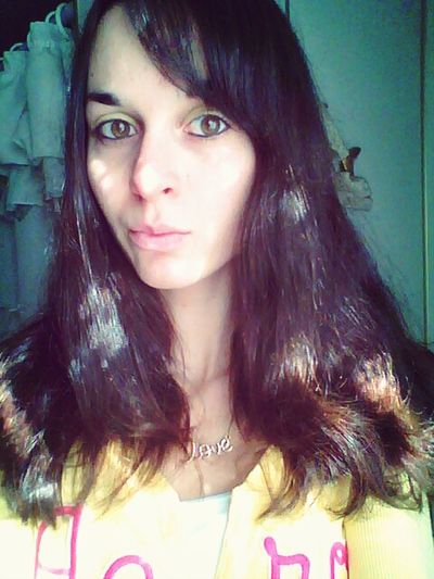 ? Followme NewtothisSelfie Brunette Browneyes First Eyeem Photo