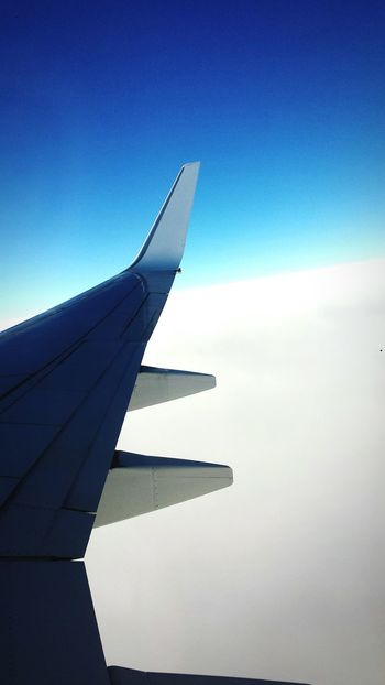 My first time on a airplane 😱 First Time Airplane Wing Sky Flyght
