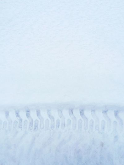 Pattern Pieces Track Accent Simple Clean Snow Cold Frosty Tire Track Imprint White Iphoneonly
