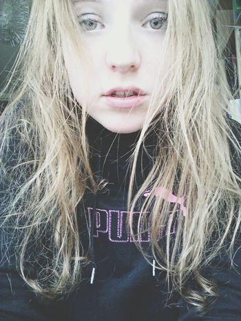 Sport Greeneyes Selfie Longblondhair
