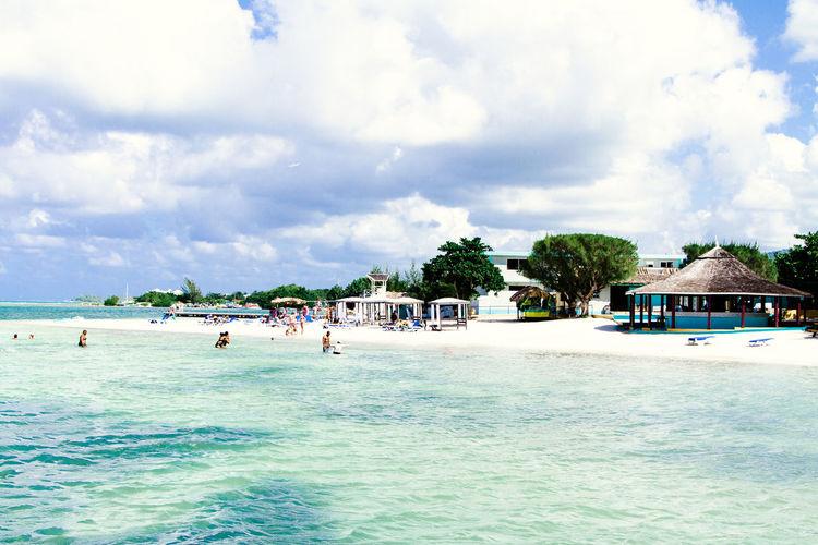 Tropical Beach, Montego Bay Jamaica Clear Sky Tropical Paradise Beach Day Jamaica Montego Bay Montego Bay Jamaica Scenics Sea Sky Tranquility Tropical Beach Vacations Water first eyeem photo