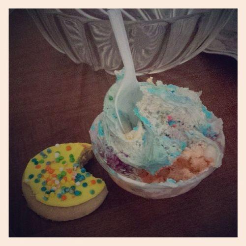 Yuppp this just happened. Icecream Sugarcookie Birthdaycake Blueberrycheesecake tigertiger