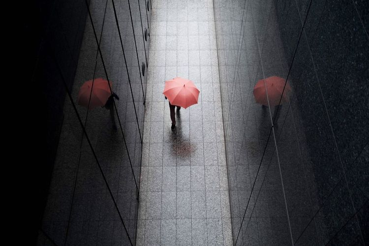 Rainy day Tokyo☔️ Japan Tokyo Umbrella Eye4photography  EyeEmNewHere EyeEm Best Shots Lighting Equipment Red No People Day Illuminated Outdoors Architecture Stories From The City EyeEmNewHere