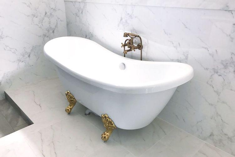 Bathtub in bathroom
