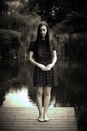Beautiful Garden Water Beauty Long Hair Front View Young Women