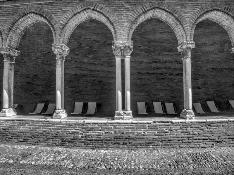 Sieste Atypique Bnwphotography Bnw_collection Bnw_captures Church Architecture Monastery Quiet Moments Quiet Place  Architecture Arch Architectural Column Day No People The Past History Religion Colonnade Spirituality Old