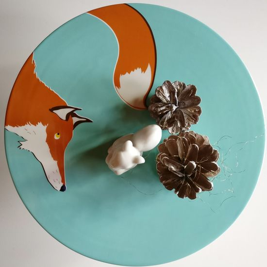 Table Indoors  No People Decoration Decor Decorative Fox Foxes Squirrel Xmas Fall Autumn Interior Design Interior Table Decoration Table Setting Cakestand Cake Plate étagère Orange Cute Art And Craft Artsy