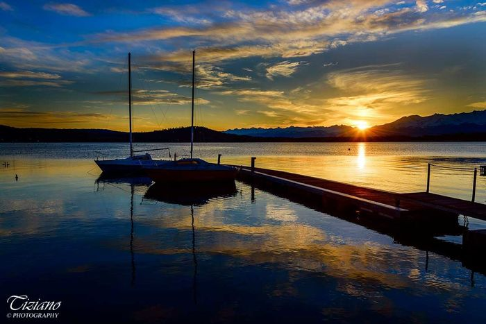 Tramonto sul lago Photo : Tiziano ©Photography Beauty In Nature Cloud - Sky Nature Nautical Vessel Reflection Sky Sun Sunset Tranquility Vivero Water