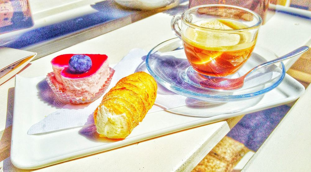 Food And Drink Close-up No People Food Freshness Day Beatiful Nikon D7100 Relax Relaxtime Romantic Colors Refreshment Tablecloth Indoors  Sweet Strawberry Pastry Pastryporn Pastryphotography Pastry & Coffee Coffee Time RELAXTIME❤️ Coffee ☕ Coffee Cup