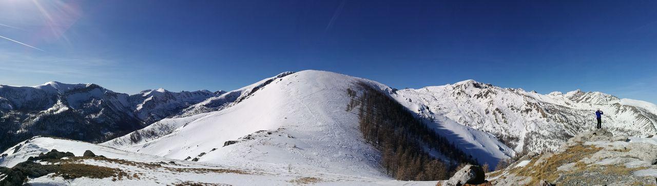 une journée en montagne Montagne France Paysage Shades Of Winter