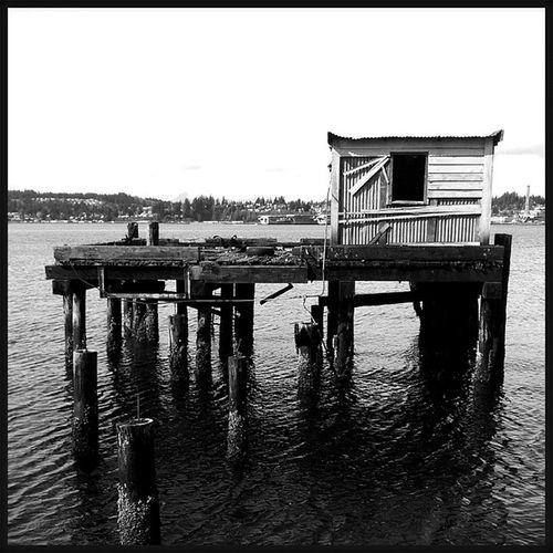 An Abandoned Building on the Water . Blackandwhite cellphonephotography pixelmixer pixlromatic pictureoftheday picoftheday photooftheday portorchardwashington portorchardboardwalk droidmaxx