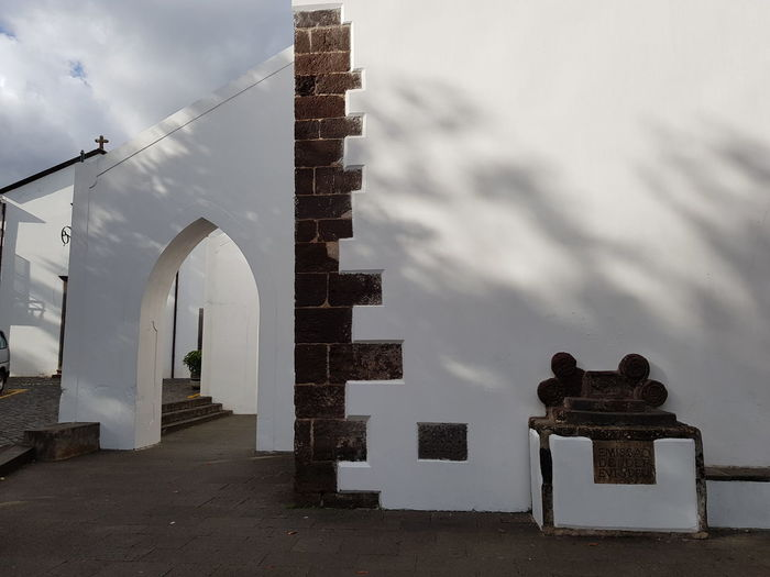 Santa Cruz São Salvador Church Religion And Beliefs Religious Architecture Bildfolge Photography Madeira Island Vacation Time Light And Shadow Detail Architecture Outdoors Sky City Day People Built Structure No People Building Exterior Travel Destinations Steps Steps And Staircases