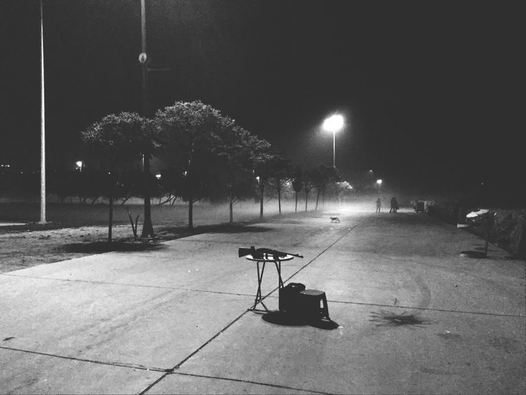 Nightphotography Iphonegraphy Light And Shadow Black & White Minimalism Minimal Shadow Peoples Taking Photos Guns Blackandwhite Hello World Happynewyear War Cat Istanbul Istanbuldayasam Istanbul #turkiye Avcılar Sahil Avcılarkampüs Filmnoir Noir Hayatakarken World