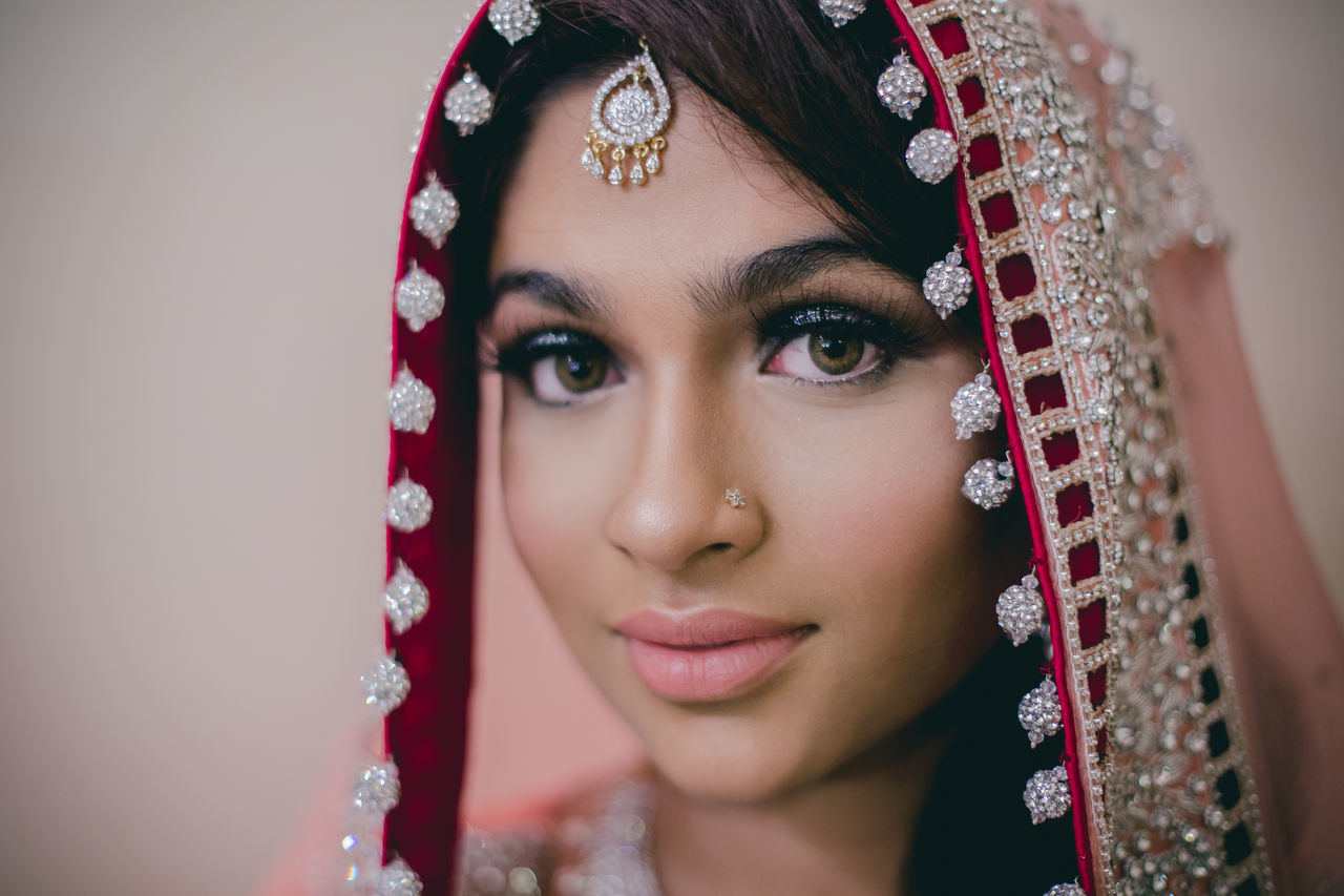 Portrait of beautiful young woman wearing sari