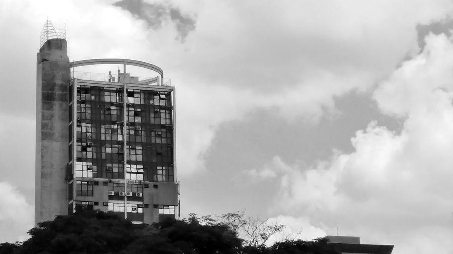 E quando você está almoçando e se depara com esta vista! Preto & Branco Photography P&B Black & White First Eyeem Photo