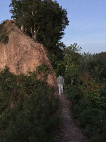 Too dangerous to continue the hike😬 My Photo My Style The Purist (no Edit, No Filter) Dangerous Steep Slope Tranquil Scene Outdoors Steep Cliff Mountain Range Hiking Full Length The Way Forward