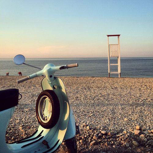Ciao mare, ciao Poderosa! Fano Mare Vespa Sunset