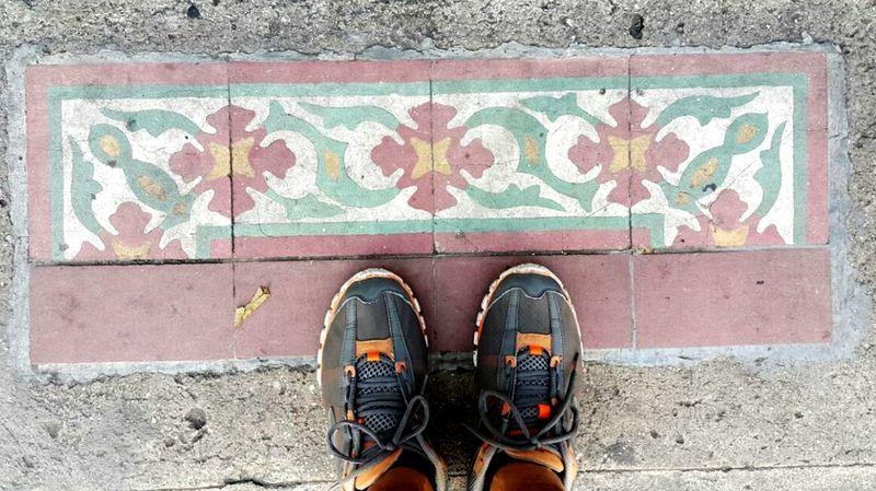 Shoe Human Foot Rio De Janeiro Eyeem Fotos Collection⛵ Architecture And Art Ondepiso Whereilive Brasil Brazil Pisohidraulico Mosaic Tiles Mosaic Floor Ladrillos Tiles Azulejos Ladrilhos Hidràulic Azulejo Tiled Floor Floor Pisos Decoration Flooring Design Pattern Artesanato