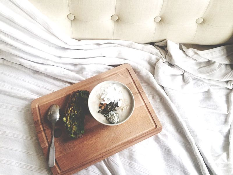 This is a lazy start to the new year: emails and Breakfast on the couch. Cozy