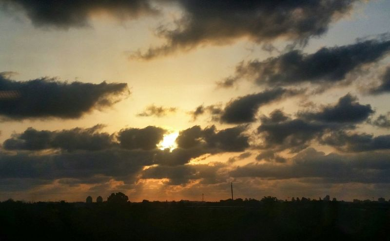 End of the Day... Sunset The View From My Window Sun And Clouds Depth Of Field The Sound Of Silence December 2015 Sunset Silhouettes Sunset_collection Sunrays The Beauty In Simplicity Countryside