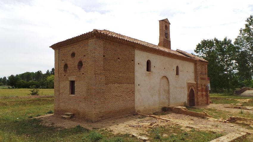 CaminodeSantiago El Camino De Santiago Jakobsweg Pilgern Pilgrimage Way Way Of Saint James Weg Kirche Church Virgen Del Puente Kapelle Chapel