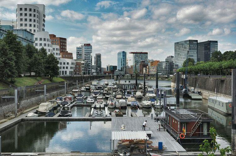 Düsseldorf, Medienhafen Port Wonderful Day Riverwalk