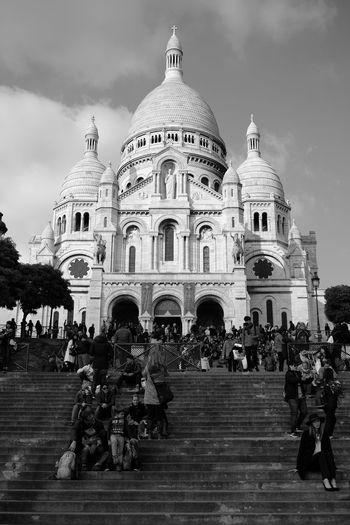 Basilique Du Sacré Cœur Montmartre Montmartre, Paris Paris Paris, France  Sacré-Ceour Cloud - Sky History Men Outdoors People Sky Travel Women 圣心教堂 巴黎 法国 蒙马特