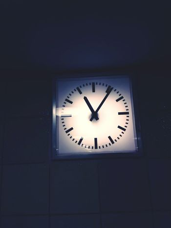 Station Clock Clock Time Clock Face Minute Hand Indoors  Night Business Finance And Industry No People Office