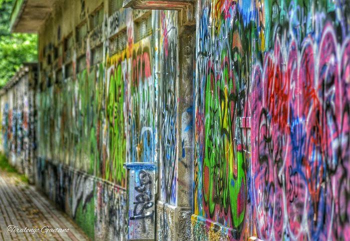Meraviglia Artist Spray Spraypaint Muralesart Murales Schizzi Photografhy Artistidistrada Graffiti Graffiti Art Color