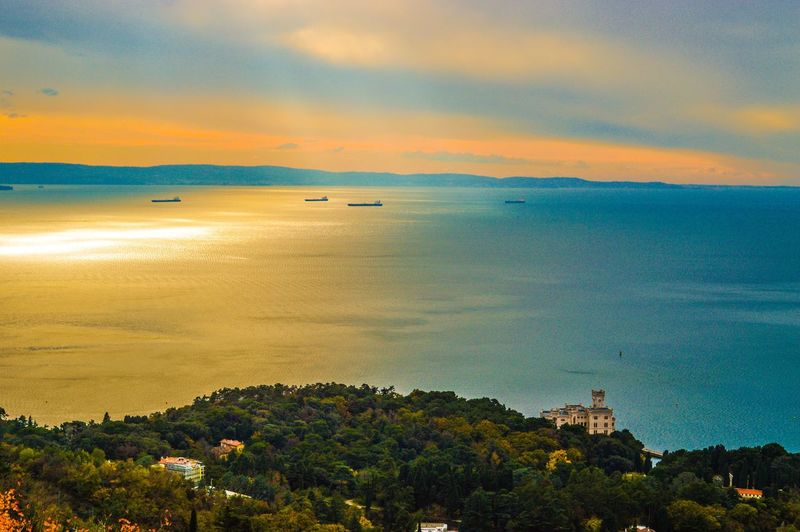 Sunlight Hanging Out Taking Photos Hello World Enjoying Life Relaxing Sun Sea Trieste Italy Photo Photographer Nofilter Me Light