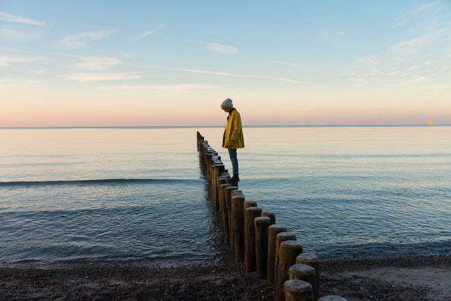 Adult Adults Only Day Full Length Horizon Over Water Nature One Person One Woman Only Only Women Outdoors People Sea Tranquility Water