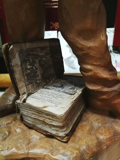 Old book from Belguim Bookstore Old Book Biblioteca Bibliotheque By Shakurntm City City Life SHAKURNTM Old Town Book Collections Oldtimer Books Old Statue Books ♥ Man Man Made Object Book Old Time Paper Old Books Livres Bookshelf Book Bookdesign Old-fashioned Old