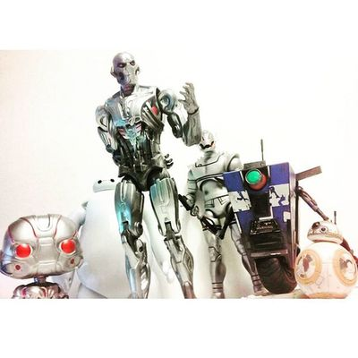 """If we band together..we can destroy the humans"" 😂😂 Marvellegends Baymax Starwarstheforceawakens Starwars Claptrap Ultronprime Neca Bb8 Funkopop Marvelselect Baf Infiniteseries Figurecollector Toyporn Toyscewbuddies Toyphotography Toyscewbuddiesusa Toysmydrugs Toysaremydrugs Manchild Nerd Borderlands Articulatedcomicbookart Actiontoyart Actionfigurephotography videogames bigherosix Toycommunity toyunion toynation"
