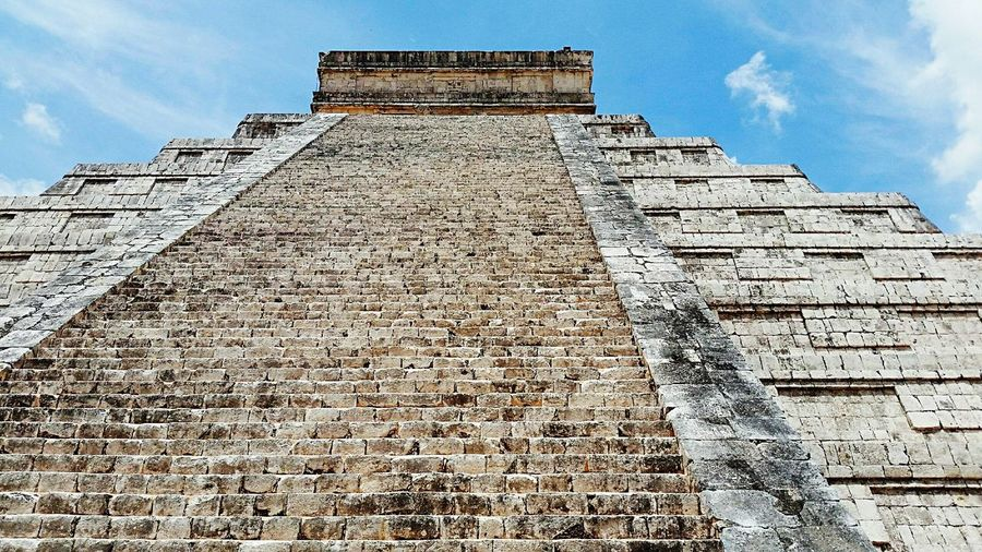 Chichen Itza Chichen-Itzá Mexico Enjoying The View Mayan Mayan Ruins Look Up And Thrive Stairs Wonder Of The World 7th Wonder Of World