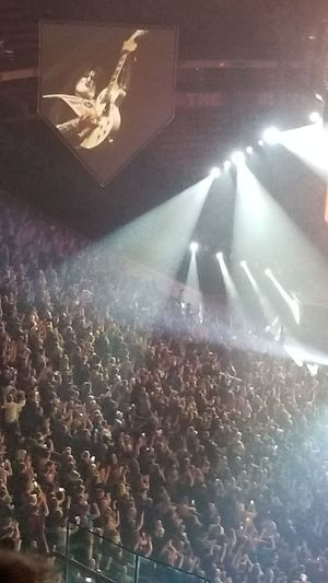 Kiss Kiss Army Crowd Ace Tommythayer Spotlight Popular Music Concert Audience Music Music Concert Concert