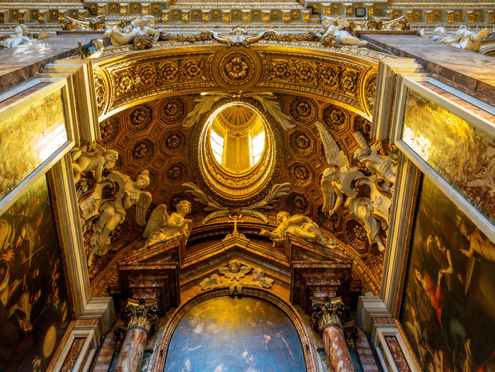Architecture Built Structure Low Angle View Religion Place Of Worship Ceiling Indoors  Building Spirituality Belief History Art And Craft No People Travel Destinations The Past Ornate Mural Architectural Column Cupola