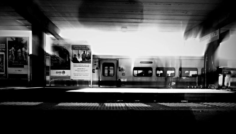 """""""10:44 am"""" by edemirbarrosfotografi Peacefulness InnerLight My View Visual Poetry Check This Out Train Station Art Is Everywhere Abstractart Eye4photography  First Eyeem Photo Chasingdreams EyeEmBestPics Monochrome Subway Station LongIslandNY NYC Street Photography Black And White Artistic Expression My Vision Artwork Paris Je T Aime Findyourself Hello World I Love Art Ilovephotography Dreaming"""