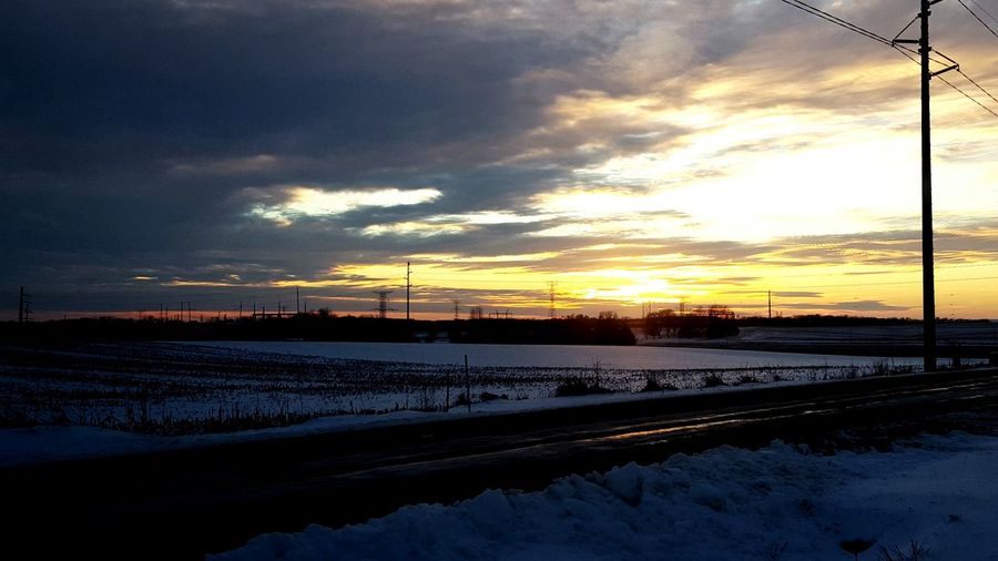 Taking Photos Beautiful Nature Clouds And Sky Sunset Bright Cloud - Sky Taking Photos Wisconsin Cold Winter ❄⛄ Snow ❄ Sunset #sun #clouds #skylovers #sky #nature #beautifulinnature #naturalbeauty #photography #landscape