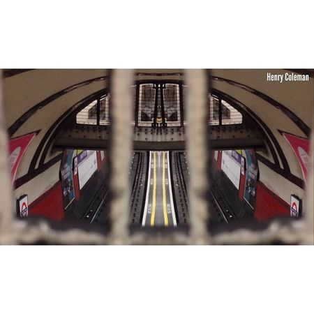 """Blurred Lines & Tunnel Vision"" London London_only Londonpop London_only_members Udog_edit Ig_europe Ig_europe_london Udog_peopleandplaces Icu_britain Streetshot_london The_photographers_emporium Streetshot_london 16x9 16x9vision Big_shotz Lom_uwls 16x9photography Edit_specialist 16x9etiquette Londonunderground TransportForLondon"