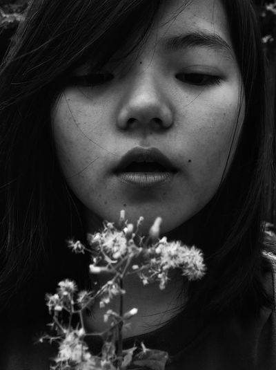 Be Brave The Portraitist - 2018 EyeEm Awards One Person Flower Flowering Plant Adult Portrait Women Headshot Plant Human Body Part Human Face Young Adult Lifestyles Beautiful Woman Eyeem Philippines Mobilephotography Inner Power