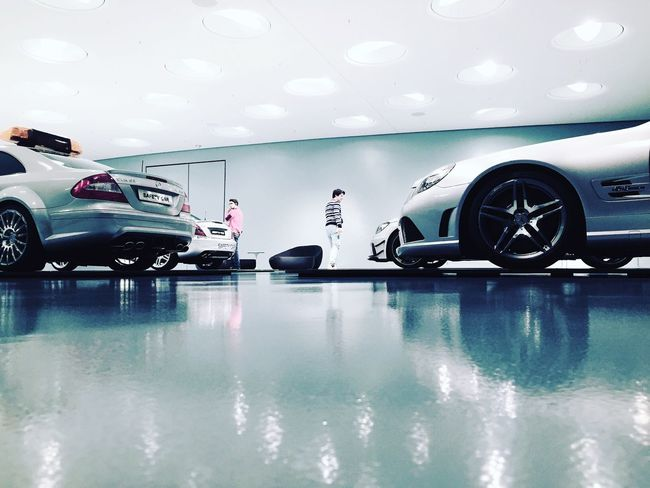 Danke @mercedebenz das ihr uns das Daimlerbenzmuseum überlassen habt. Toller Abend mit der Crew Igersstuttgart Instameet Daimler Remstalshooters