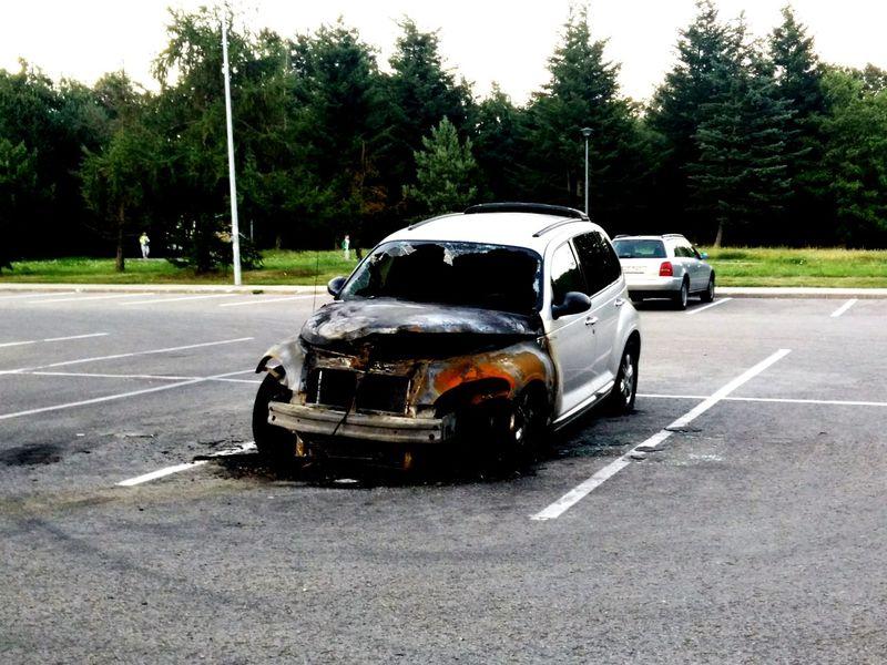 Car Burned Car Exploded Car Wrecked CarBroken Car Pt Cruiser Parking Lot Burned Vehicle Rust Rusty Car Bonnet Broken Glass Broken Window Broken Windshield Urban Chaos
