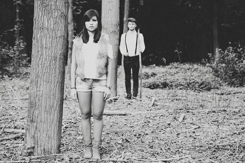 forest Art Austria Black And White Casual Clothing Couple Forest Girl And Boy Kunst Lifestyles Looking At Camera Loweraustria Melk Niederösterreich Outdoors Paar Portrait Schwarzweiß Standing Togetherness Ultralicht Ultralicht Fotografie Wald Wood Young Adult Österreich