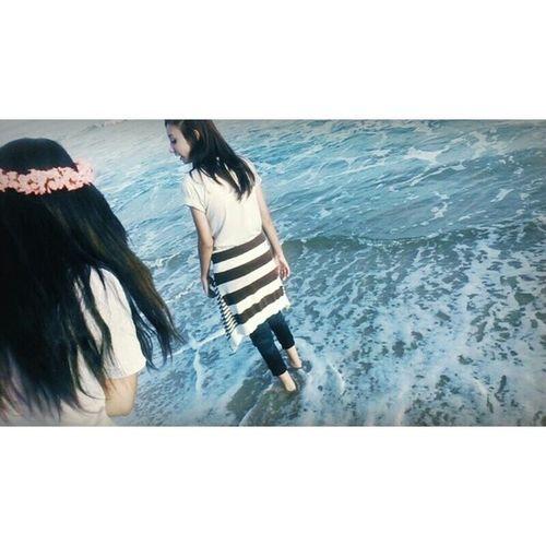 E quando eu vejo o mar existe algo que diz: que a vida continua e se entregar é uma bobagem.. ? ? ♪
