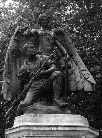 War Memorial outside Worcester Cathedral Uk Sculpture Bnw_sculpture Bnw_friday_eyeemchallenge Blackandwhite Photography Eye4photography  Sculpture Sculpture Lover England 🌹