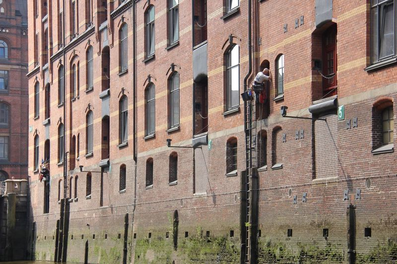 Window washer working at speicherstadt