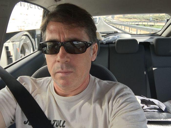 Bajando a Málaga. That's Me Relaxing Taking Photos Enjoying Life IPhone 6 S Plus Selfie ✌ Yo Hi! That's Me In The Car