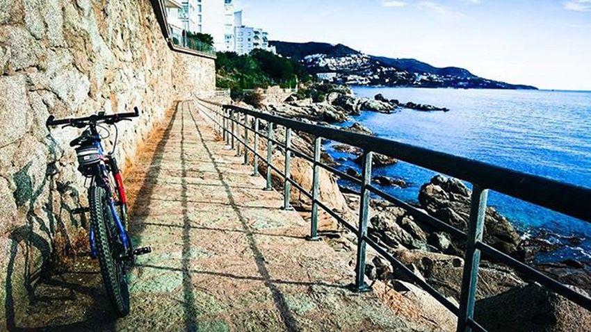 Camí de ronda Roses, Girona. Recovery en BTT Trainers Training Stravaphoto Strava Emporda Roses ?Ciclismo Cicling Terranovacnc Garmin520 Garmin Playa Beach