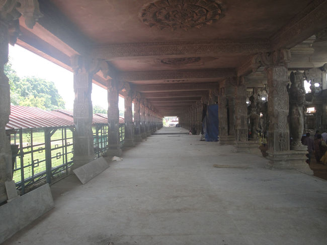 Andhra Pradesh Devotional Indian Tirumala Tirupati Devasthanams Hall Pillars Support Tirumala Tirupati KBR